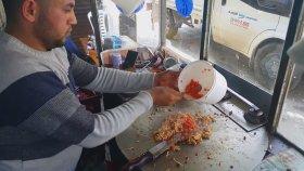 Müslüm Gürses Eşliğinde Adana Usulü Ütü Tostu