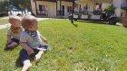 Tatili Otele Geldik 1.Gün -  Eğlenceli İkiz Bebek Ve Oyun Videoları