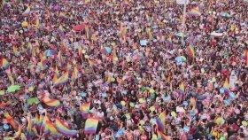 İstanbul Lgbti  Onur Yürüyüşü Davetiyesi