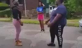 Siyahi Ablanın İki Kızı Bir Çırpıda Harcaması