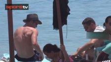 Van Persie, Mykonos'ta Tatil Yapıyor!
