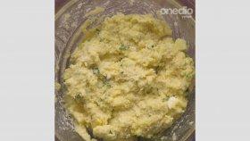 İrmik Köftesi Tarifi - Onedio Yemek - Pratik Yemek Tarifleri