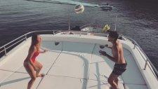 Mateo Kovacic Ve Eşi İzabel Andrijanic'in Yatta Futbol Şovu