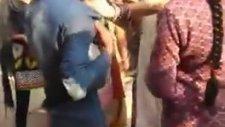 Elemanı Rehin Alan Hintli Abla (Hindistan'da Sıradan Bir Gün - 2)