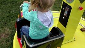 Açık Oyun Parkı Aile Eğlencesi Çocuklar için Oyun Alanı