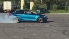 Drift Şovuyla BMW'nin Lastiklerini Pert Etmek