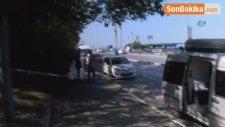 Üsküdar'da Otomobil İçinde Erkek Cesedi Bulundu