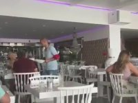 Wesley Sneijder'in Garsonluk Yapması