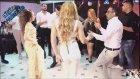 Beyaz Dar Tulumlu Hatundan Baş Döndüren Dans