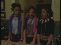Havuç'un Kızlara Oyunu - Çocuklar Duymasın 6. Bölüm (TGRT)