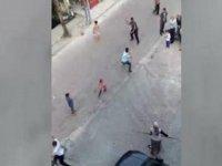 İstanbul'daki Suriyeli Grupların Taşlı Sopalı Kavgası
