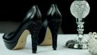 Tek Dokunuşla Havası Değişen Siyah Topuklu Ayakkabı Süslemesi Nasıl Yapılır?