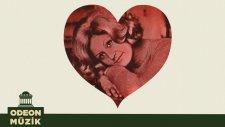 Semra Ersoylu - Yere Bakan Yürek Yakan (45'lik)