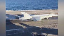 İniş Sırasında F-18'in Tellere Takılması