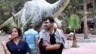 Antalya Dinoparkta dinozor kostümlü animasyon show
