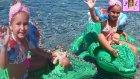 Bugün Deniz Plaj Keyfi . Prenses Sindirella ve Arielde Var . Eğlenceli Çocuk Videosu
