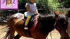 Elif At Çiftliğinde At Bindik. Extrem Spor Parkurunda Oynadık. Eğlenceli Çocuk Videosu