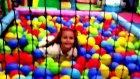Elif Büyük Lunaparkta Büyük Küçük Oyuncaklar Top Havuzu Güzel Akşam Keyfi ))