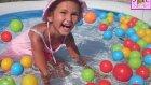 Havuzda Su Balonu Savaşı Yaptık , Cıvıl Cıvıl Su Balonları Çok Eğlendik ::))