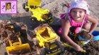 Plaj Keyfi Denizde Yüzen Kamyonlar .. Kumdan Kale Yaptık Kamyonlar Kum Taşıdı