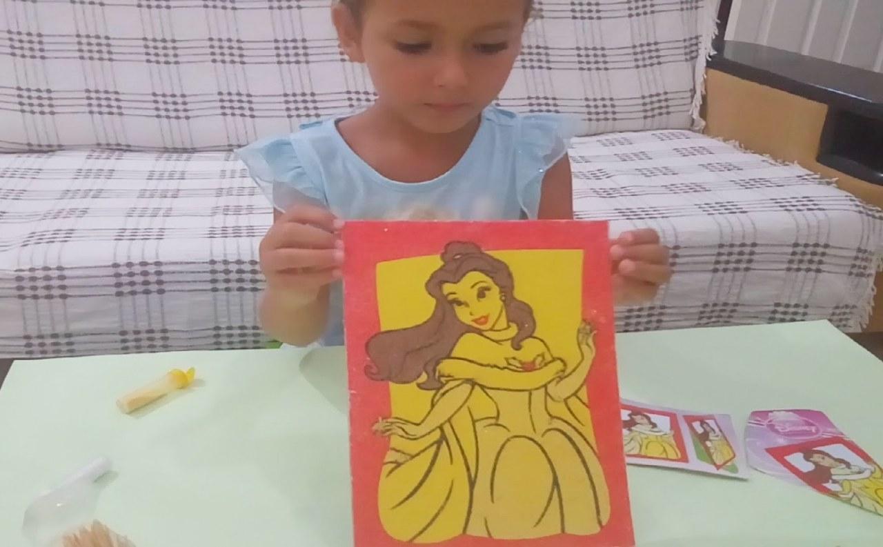 Elif Kum Boyama Yapıyor Prenses Bella Boyuyor Eğlenceli çocuk