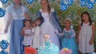 Elif prenses elsa oldu dogum gunu partisine gidiyor