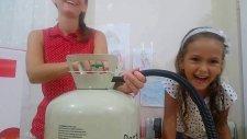 Helyum Gazı İle Oyun, Uçan Balonlar, Helyum Gazı İle Sesimiz Nasıl Değişiyor , Çocuk Videosu