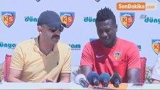 Kayserispor, Asamoah Gyan ile 2+1 Yıllık Sözleşme İmzaladı