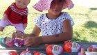 Parkta saklambaç oynadık 4 kinder joy açtık , Eğlenceli çocuk videosu