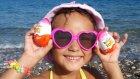 Plajda Kumlara Saklı 6 Kinder Joyu Bulmaca Oynadık, Eğlenceli Çocuk Videosu
