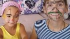 Yüz Boyama Elif Ve Annesi Yüz Makyajı Yapıyorlar . Eğlenceli Çocuk Videosu