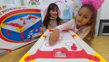 Buz Hokey Oyunu Kutusu Açtık, Eğlenceli Çocuk Videosu