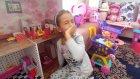 Elif Barbie evinde oynuyor, eğlenceli çocuk videosu
