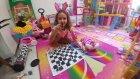 Elifin Videosu Elif Satranç Oynuyor, Rapunzel ve Barbie Ziyarete Geliyor