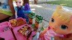Parkta elsa minik ve elif piknik yapıyor eğlenceli çocuk videosu