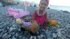 Plajda Oyunlar Elif Minik ve Maşa ile Oynuyor, Eğlenceli Çocuk Videosu