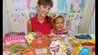 Rusya Ve Ukrayna Abur Cuburlarını Deniyoruz. Eğlenceli Çocuk Videosu