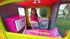 Elifin yazlık evine eşyaları taşıyoruz,Buzdolabı fırın ütü, eğlenceli çocuk videosu