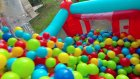 2. kattan 2500 top dolu havuza atladım, eğlenceli çocuk videosu
