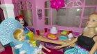 Pamuk prenses ve maşa barbieyi yeni evinde ziyaret ediyor.Yaramaz Maşa 3.kattan düşüyor