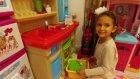Elif bebişi için mama hazırlıyor, eğlenceli çocuk videosu