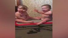 Bebeklerin Gülümseten Halleri