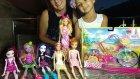 Barbie bisiklet , barbie ve monster high arkadaşları deniyorlar, eğlenceli çocuk videosu