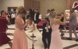 Düğünde Nargile İçmek