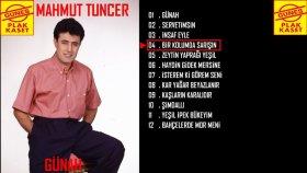 Mahmut Tuncer - Bir Kolumda Sarışın