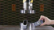 Yeni Nokia 3310 Ve Eski Nokia 3310'un Preslenmesi