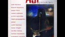 Serdar Öztop / Kalabalığın Ortasında  (Gitarın Asi Çocukları)