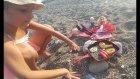 Plajda barbie ken ve elsa mangal keyfi, elsa doğum günü