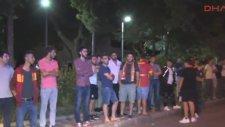 Galatasaray Taraftarı Florya'da