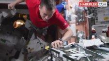 Uzayda Puding Nasıl Mı Yenir? İşte Cevabı!